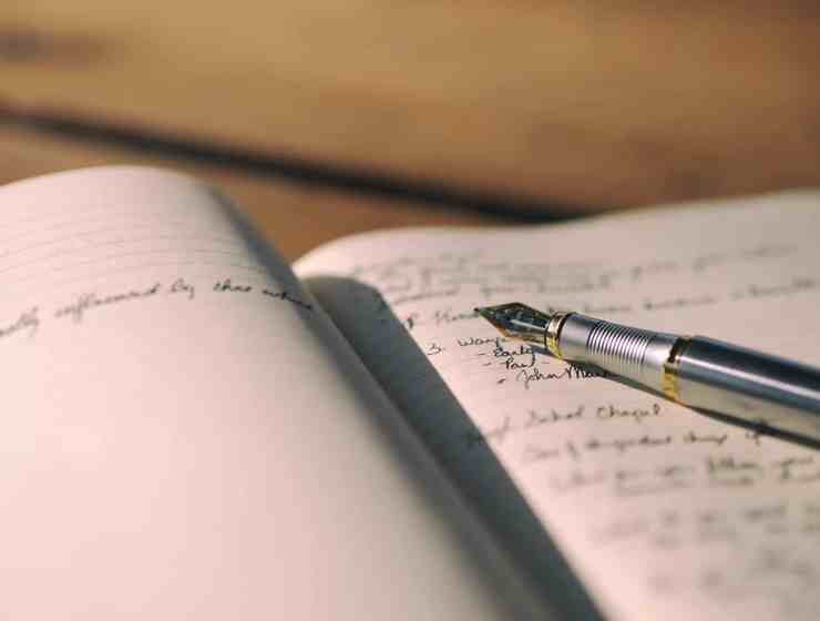 Many people avoid journaling because it's too cheesy or complicated. Here's a comprehensive guide to journaling so you can stop avoiding it!
