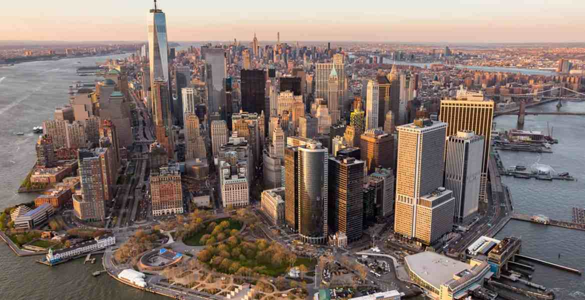 This is the ultimate NYU bucket list! Whether you're a junior or a freshman at NYU, this list will still provide you with new experiences in the city.
