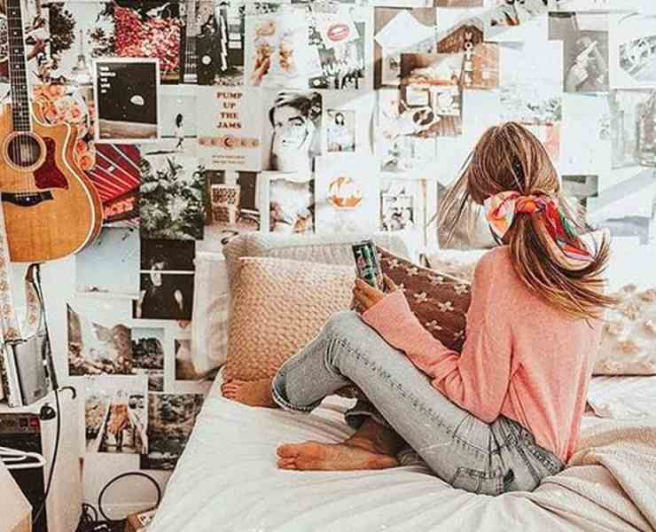 Take a look at these college move-in day hacks that will help you have an easy college move-in transition from your room back home.
