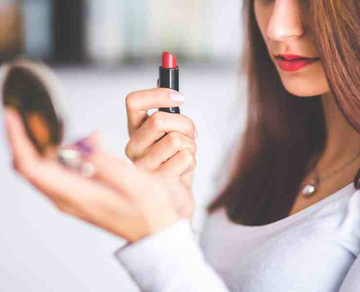 These lipsticks are going to seriously dress up any outfit you wear! Follow these makeup tips and you'll be looking better than ever!