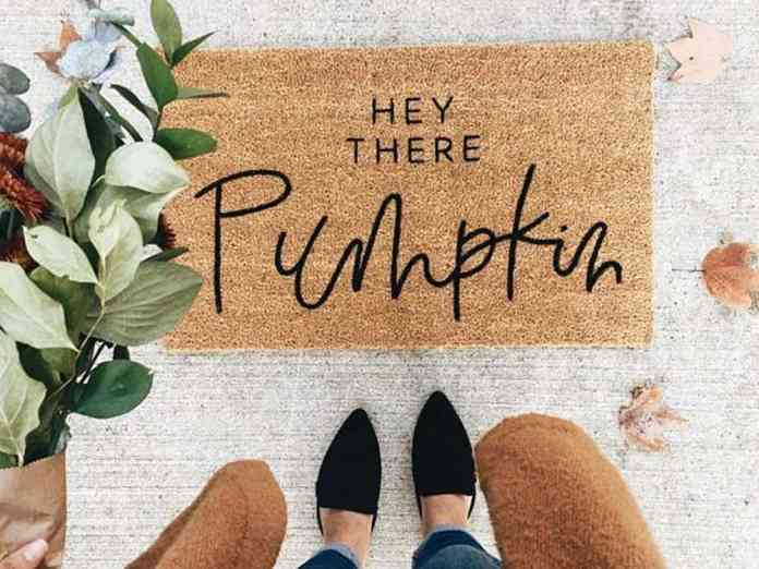 These modern fall decor inspirations will set you up for design success this upcoming autumn season. Gather contemporary fall decorating ideas for home!