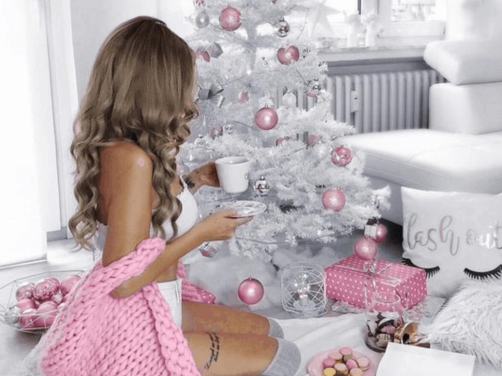 35 Trendy & Cozy Holiday Decorating Ideas