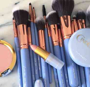 Here are some flawless makeup looks that you need to try. These tips will give you the tools you need to achieve the flawless makeup look.