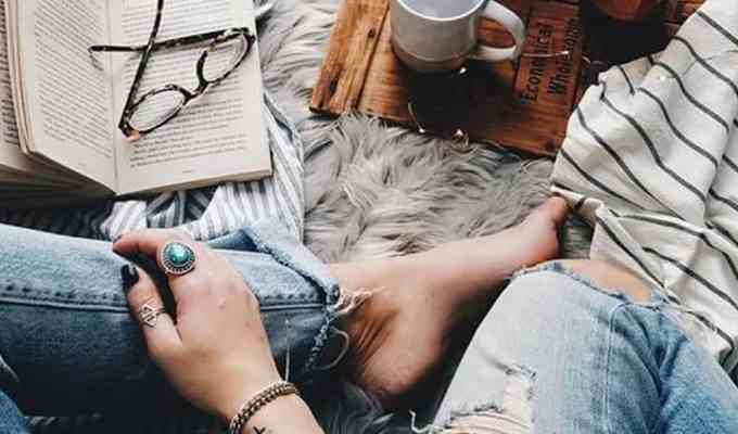 Here are a few books to help mend broken heart and how to pick yourself back up again. These books will fuel you to become a stronger person.