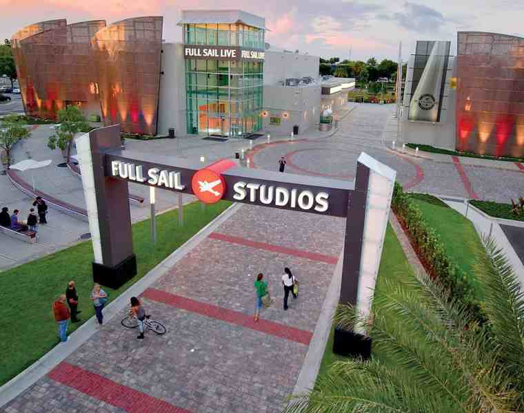 Full Sail University offers its students a really unique experience. Here are 10 GIFs that describe what it's like to be a student there.