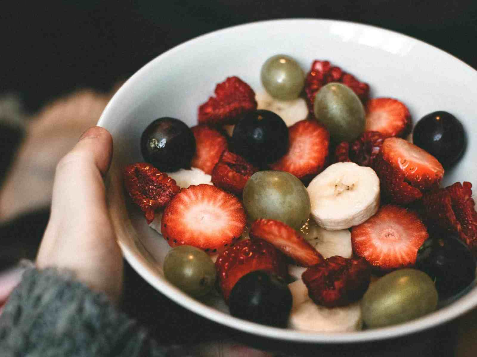 Healthy alternatives to junk food sounds dull, but there are a lot of delicious healthy snacks out there you can eat instead!