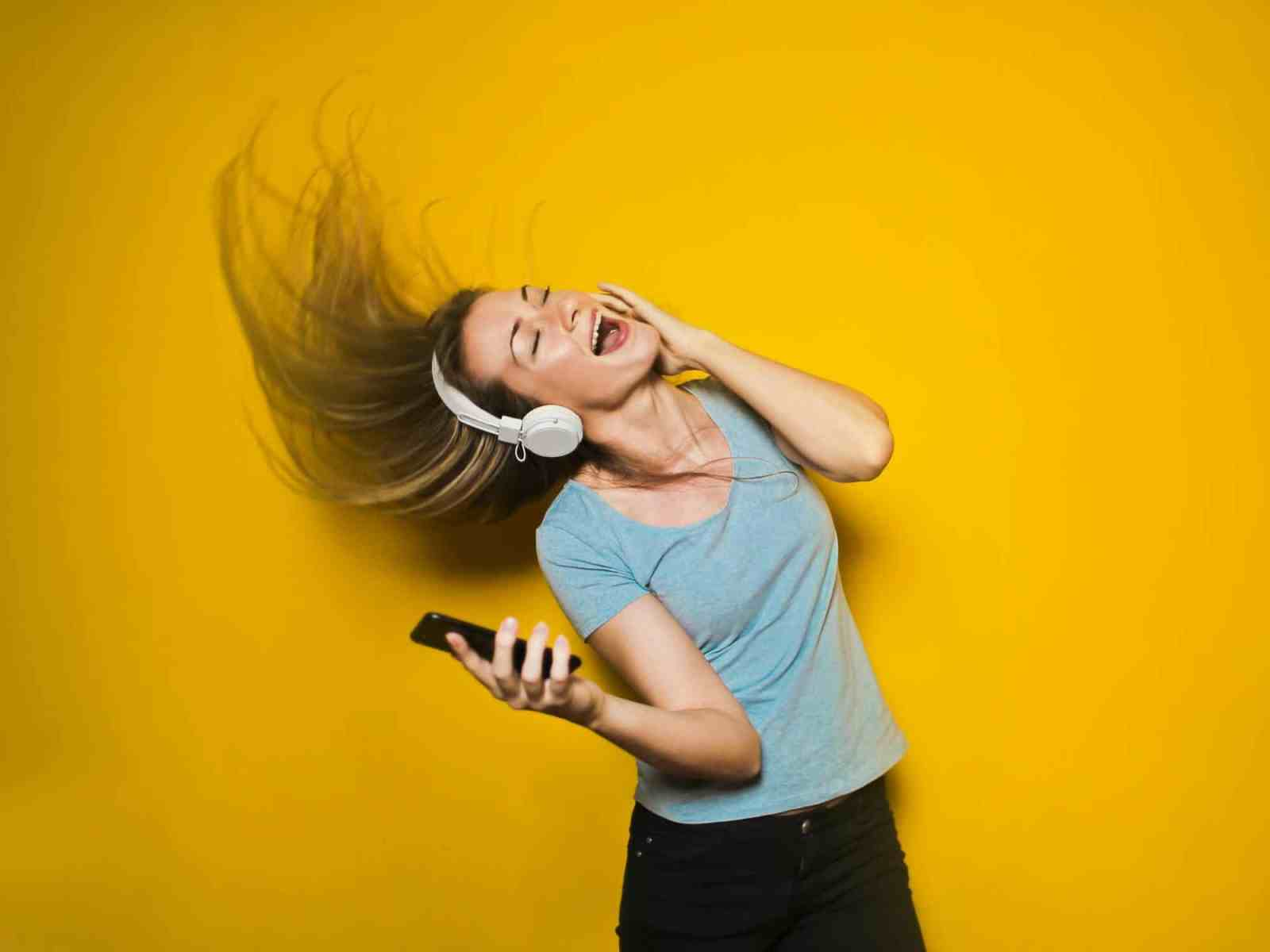 Breakup songs are there to get you through some of the msot difficult of times. Here's a list of some of the best breakup songs for girls!