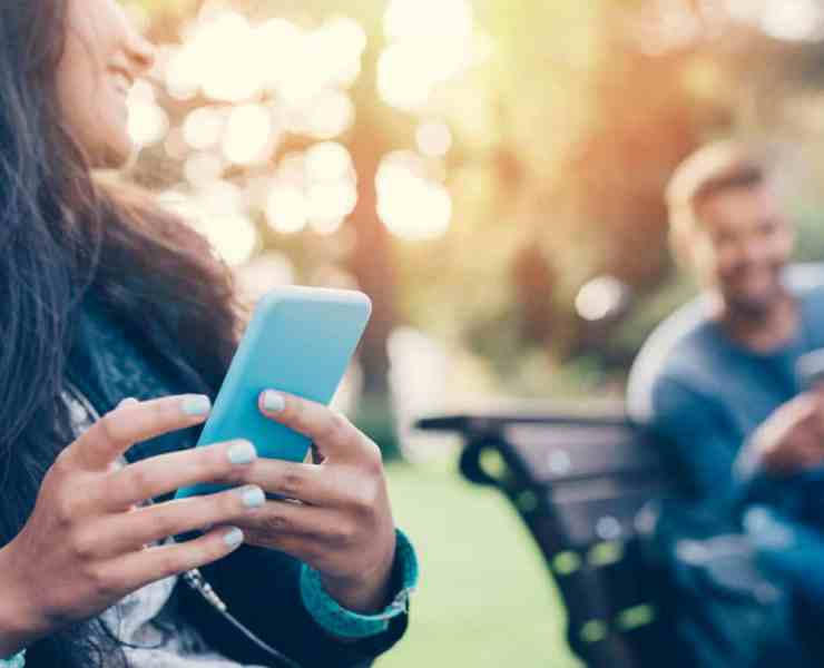 These Tinder tips will help you up your profile game and get you to meet the person you're looking for! Here's how to make the perfect profile!
