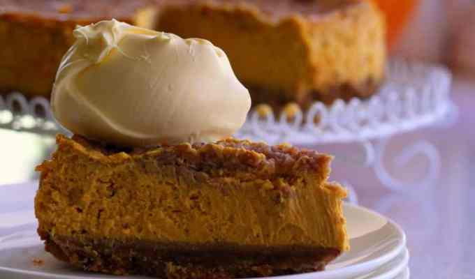 These Thanksgiving dessert ideas will leave the mouths of your family members watering this holiday season! These are some of the best!