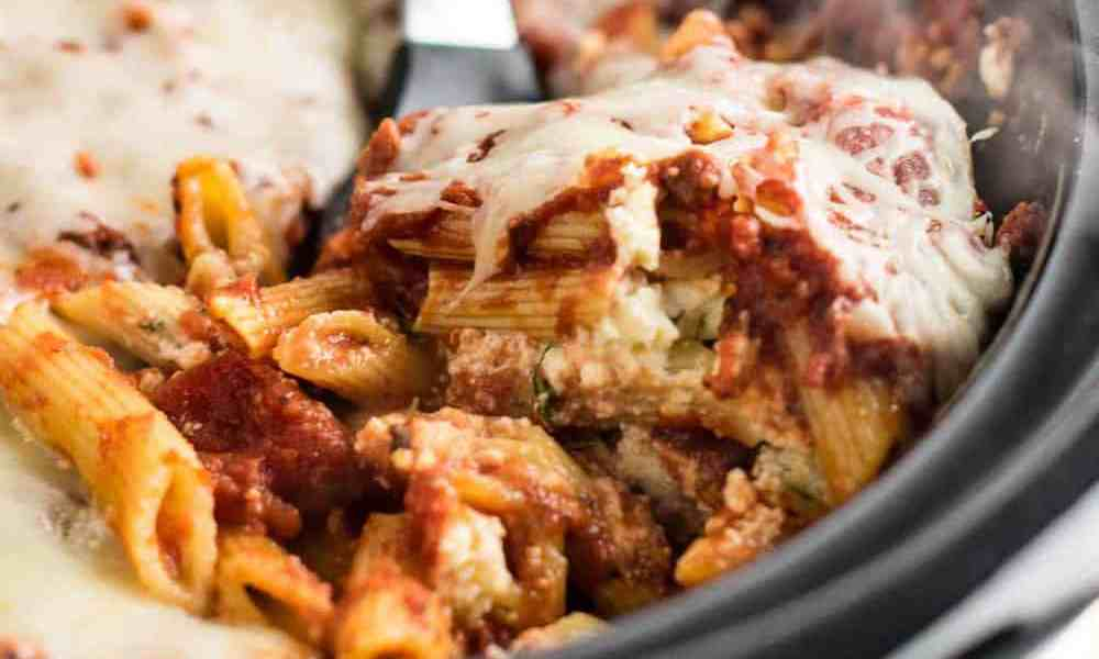 These easy crockpot recipes are so simple that anyone can make them without too much of a hassle! Here are some of our favorites!