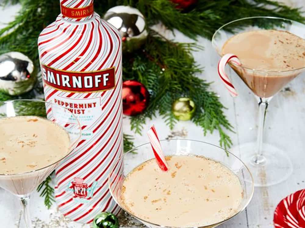 These Christmas cocktail recipes are great to be served at any Christmas party this year! Check out these Christmas cocktails for this holiday!