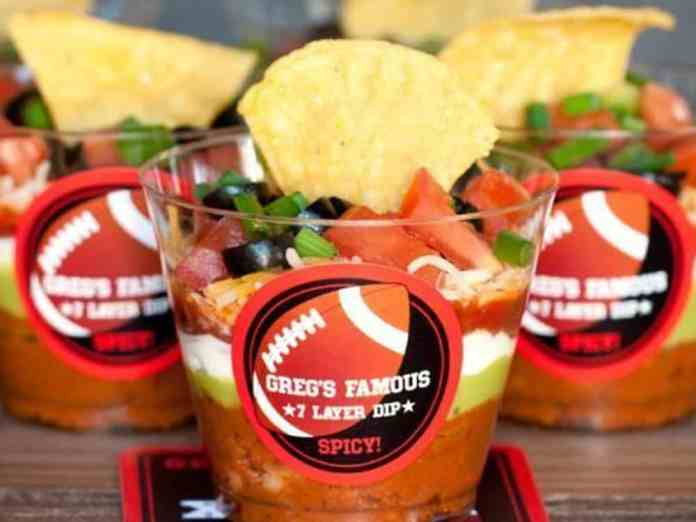 The best superbowl dip ideas are great to know for your big game party! Check out these 7 easy dip recipes for your Superbowl party!
