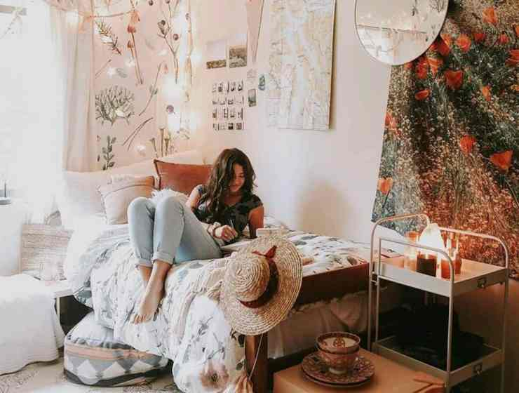 Spring cleaning is a must even if you're living in a dorm. Spring cleaning a dorm isn't that difficult, but with these tips it'll be a breeze.