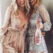 These New Years Eve outfit ideas will have you feeling super chic and beautiful. Look glam in these gold, glittery, and sequin fashion staples!