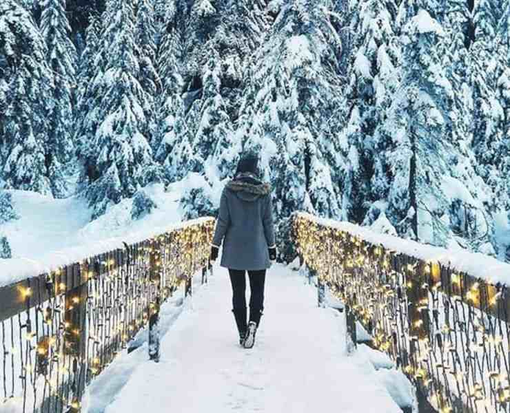 These winter instagram ideas are totally on point, and you're gonna wanna copy them this season! Here are some of our favorites!