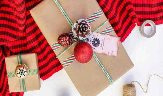 Sometimes in the chaos of the holidays we fall short a few people on our shopping list. Here are ten DIY projects you can throw together that will be a knock out.