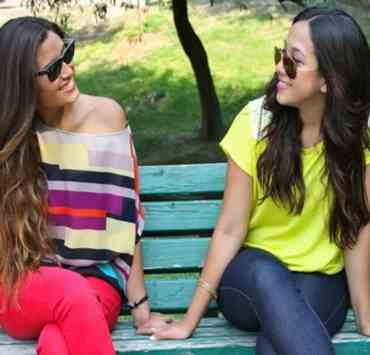 The only thing better than going away to school is going with your best friend...right? Here are 15 signs that rooming with your hometown bestie was a big mistake.