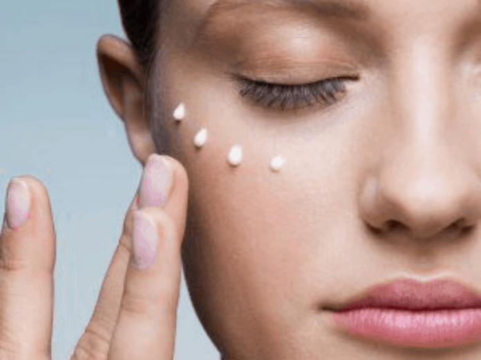 10 Skincare Products To Help Acne Prone Skin