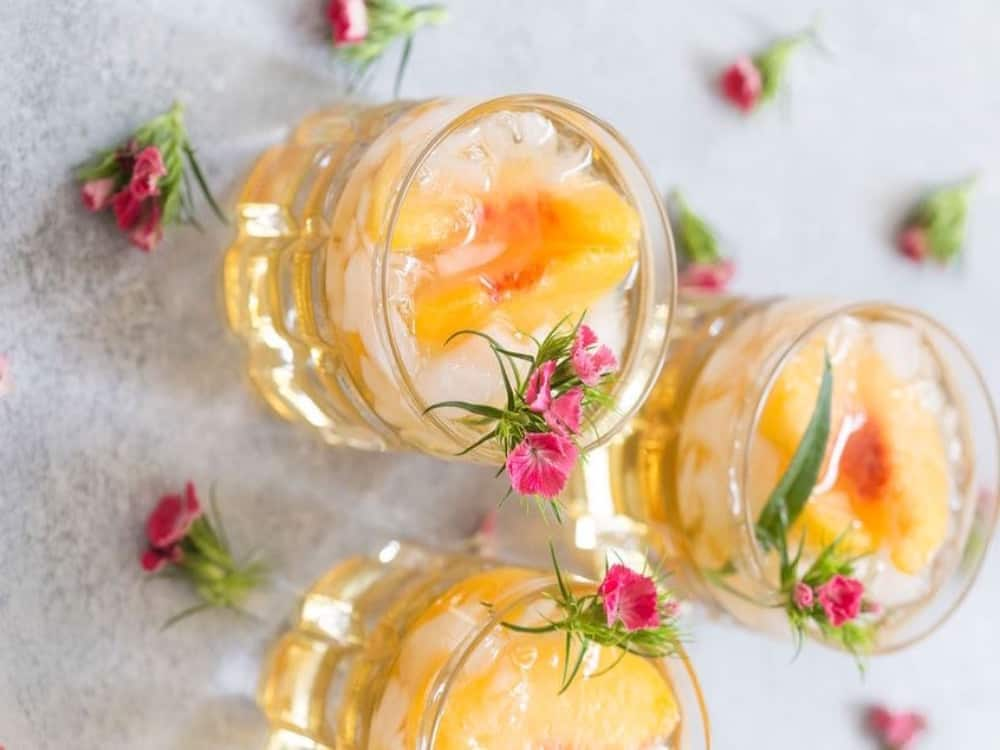10 Easy Cocktails To Make As A College Kid Society19