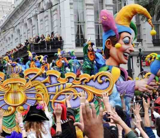 The Ultimate Mardi Gras Bucket List If You're In New Orleans This Year