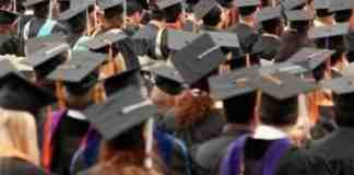 10 Thoughts That Go Through Your Head As You Approach College Graduation