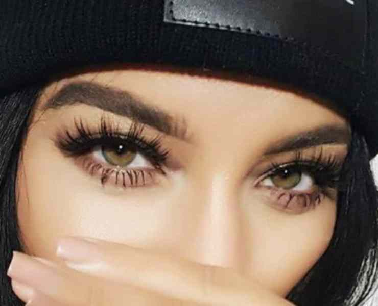 10 Waterproof Mascaras That'll Help You Beat The Sweat This Summer