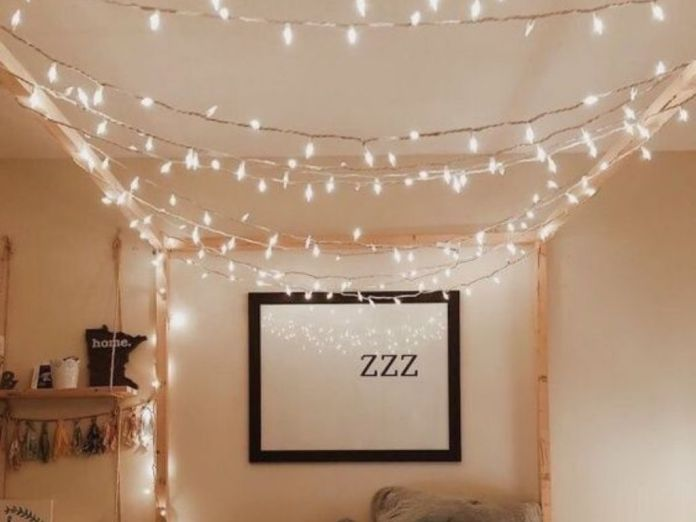 12 Fairy Light Decor Ideas For Your Dorm That You Need To Try Now