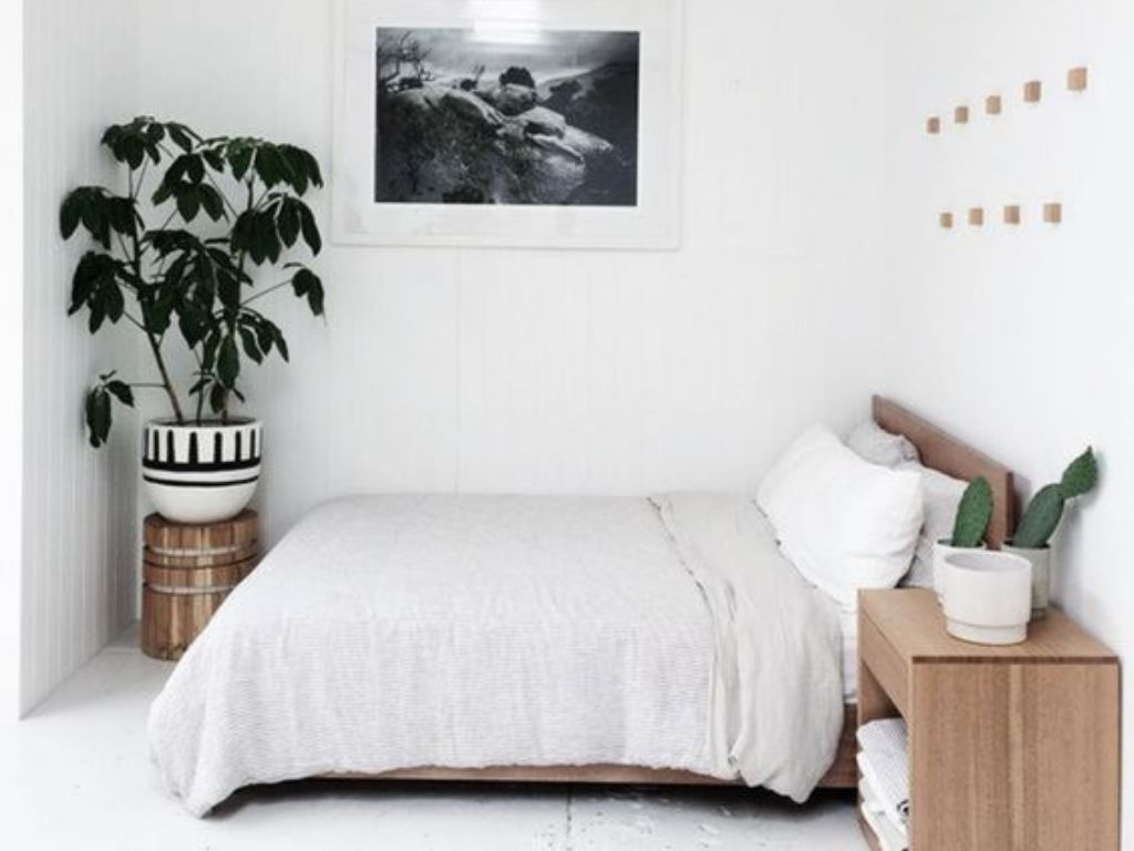 15 Minimalist Bedroom Ideas That Will Inspire You To Redecorate Your Room Society19