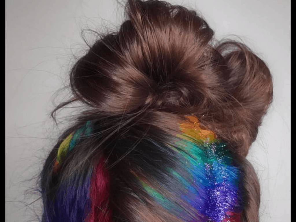 56df8c01a4 DIY Glitter Hair Spray You Should Try For Pride