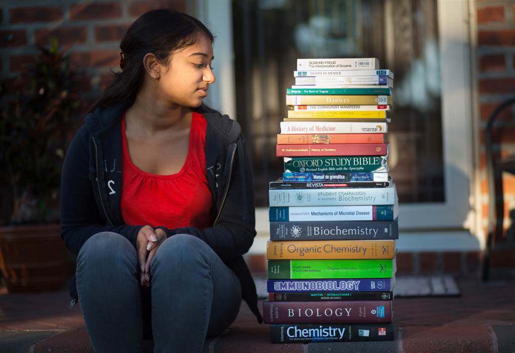 10 Places You Can Buy Cheap College Textbooks From
