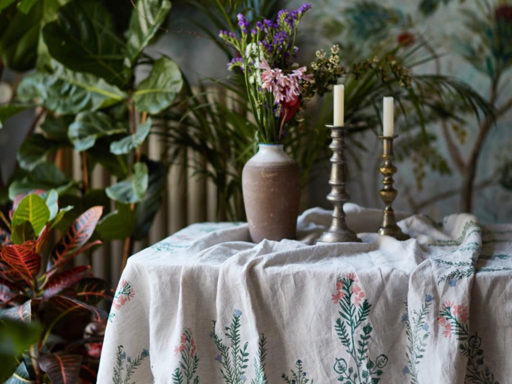 Beautiful Tablecloths That Will Take Microwaved Meals To The Next Level