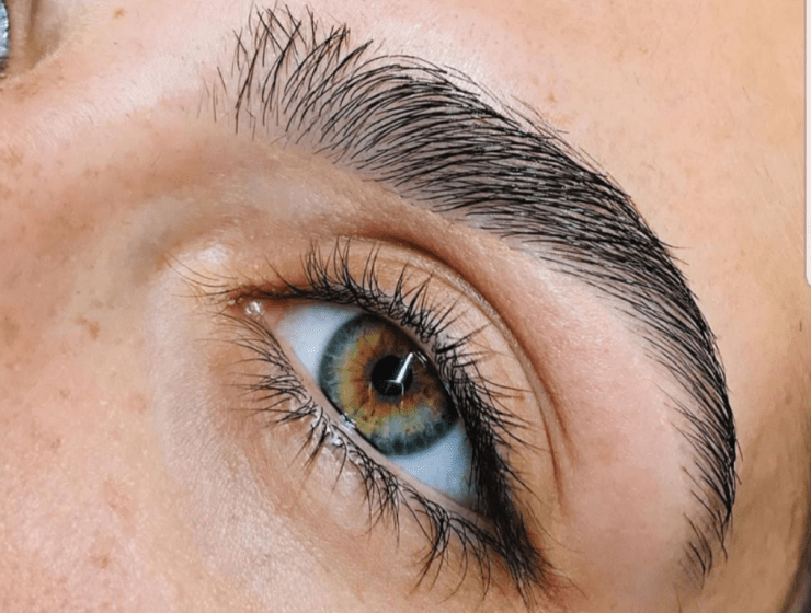 10 Tips For Thicker Eyebrows You'll Love