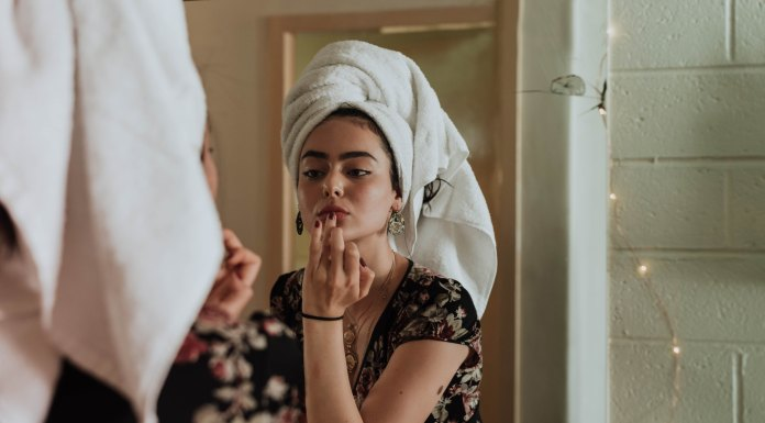 15 Makeup Tips For This Summer