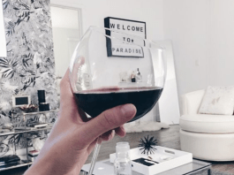 How To Taste Wine Like You're A Sommelier