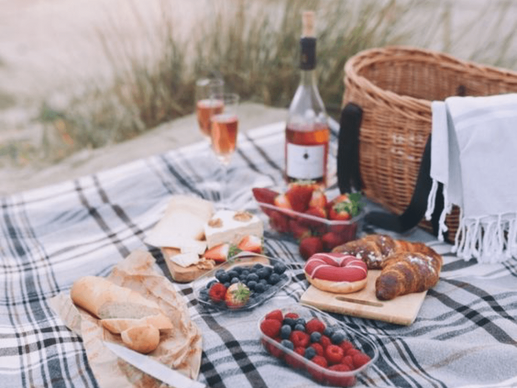 8 Recipes To Take On A Picnic Date - Society19