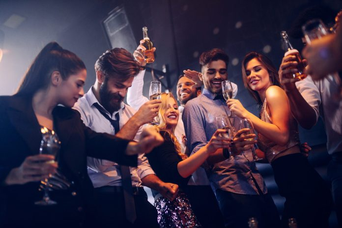 8 Signs That You Should Definitely Leave The Party