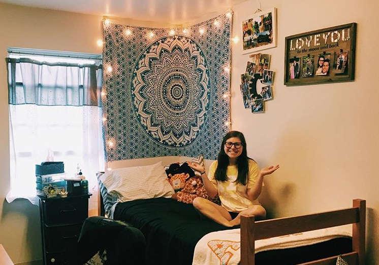 5 Ways To Make Your Dorm Room Bigger