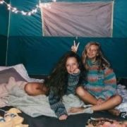 Pros And Cons Of Becoming BFF With Your College Roommates