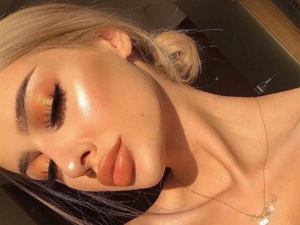 9 Ways To Instantly Glow Up Overnight