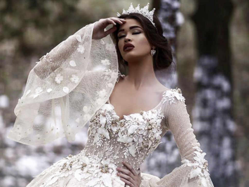 20 Wedding Dresses For Your Pinterest   Society20