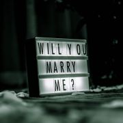10 Memorable Proposal Ideas To Help You Pop The Question