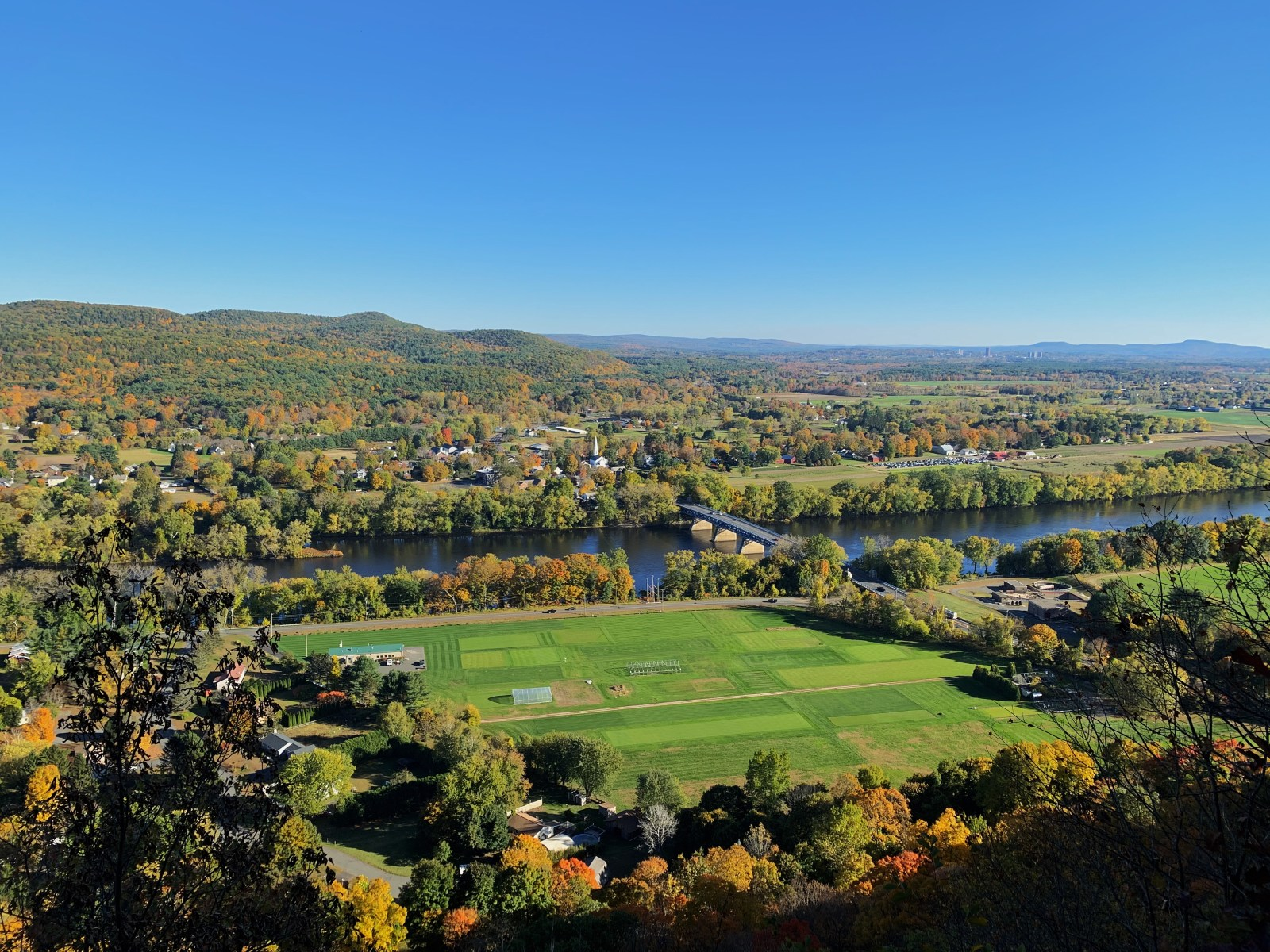 10 Fun Places To Go With Friends Near UMass Amherst