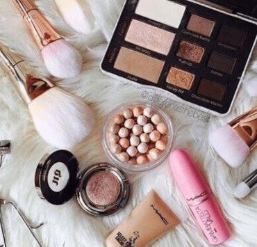 The Best 10 Minute Makeup Routine Before Class