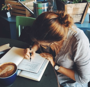The Best Writing Apps Any Aspiring Writer Should Have On Their Phone