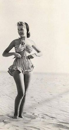 15 Vintage Swimsuits That You'll Love Wearing For Summer