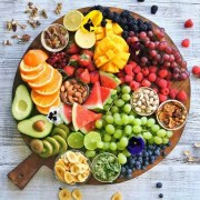 How To Eat Healthy When You're Traveling