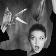 8 Easy and Safe Steps To Trim Your Hair At Home