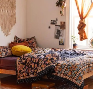 The Best Bedspreads For Your Dorm Room