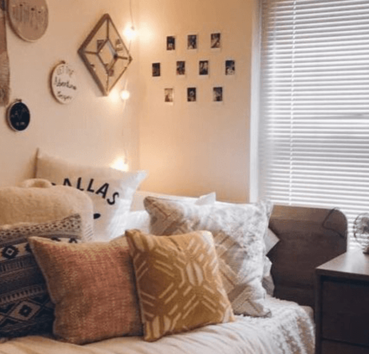 The Ultimate List Of Dorm Room Decor You Didn't Know You Needed