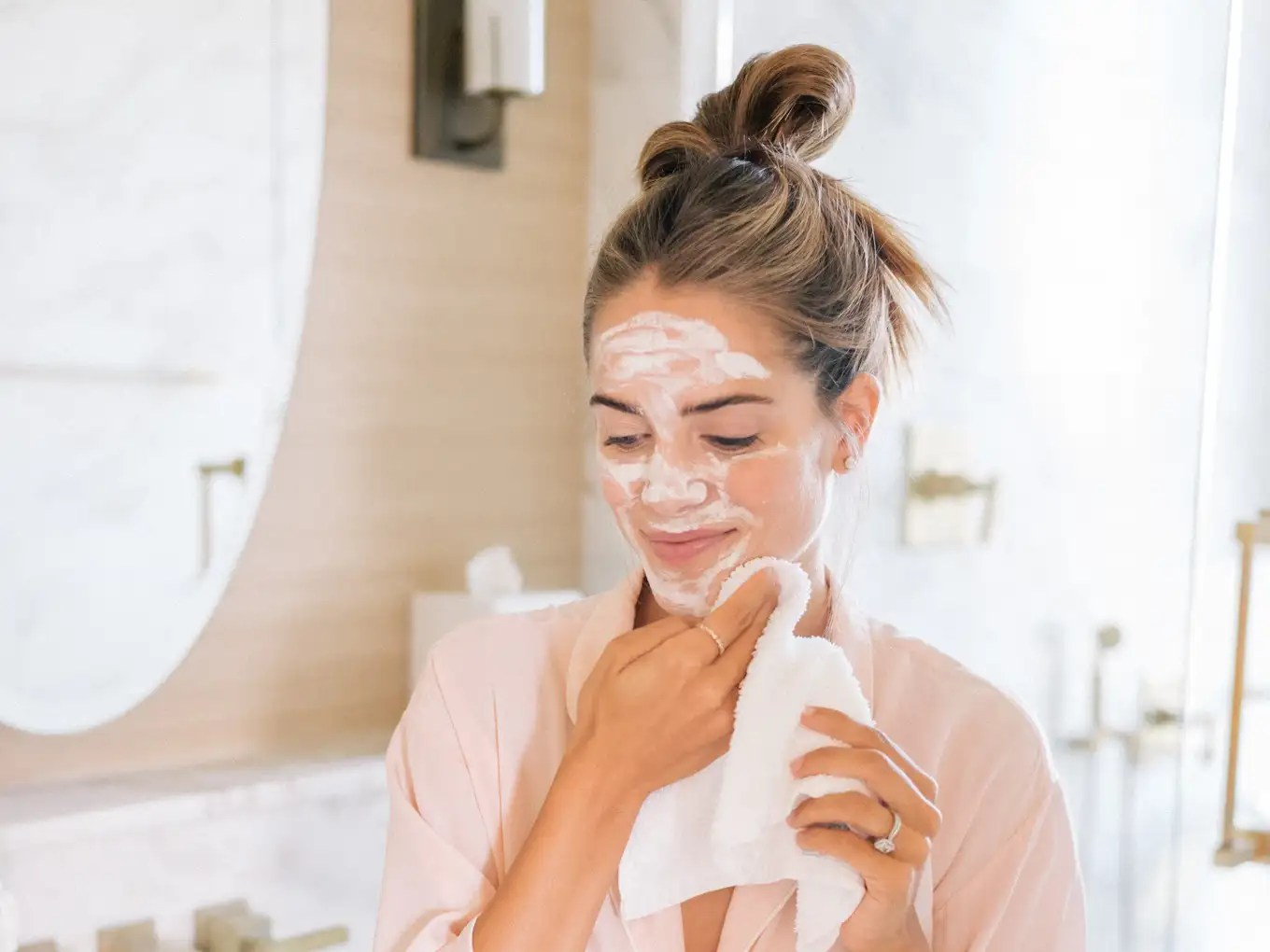 Skincare Dupes, The Best Skincare Dupes To Get Right Now